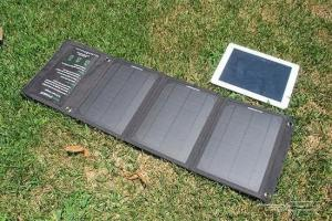 China 60 / 100 / 150W Foldable Solar Panel Charger , Portable Solar Panel Usb Charger For Camping on sale
