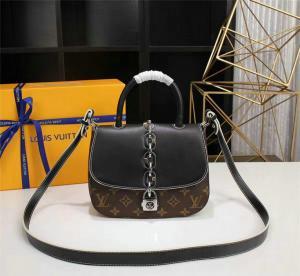 c8ff02346fac ... Quality Replica Louis Vuitton Handbags