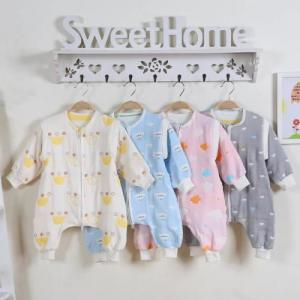 China Lightweight Quilt Cotton Baby Clothes Super Soft Muslin Cotton Baby Sleeping Suit on sale