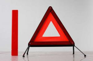 China 44.5 * 31 * 24cm cheap red ABS / PVC reflective triangle car warning signs for traffic on sale