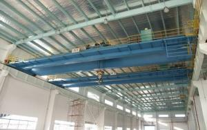 China QDG Electric Overhead Crane with Hook, 10.5m / 13.5m Span For Frequent Work on sale