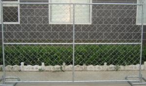 China Le grillage/barrière très utilisés de maillon de chaîne avec le fil d'acier et le PVC galvanisés a enduit le fil d'acier on sale