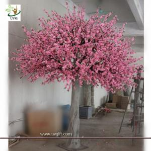 China UVG decorative pink peach blossom faux tree in fiberglass trunk for garden decoration on sale