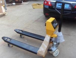 China hand trucks hand pallet truck forklift with 1070 mm fork length on sale