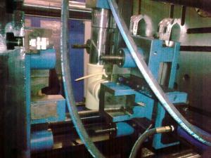 China Automatic pvc injection moulding machine 430Ton 150rpm on sale