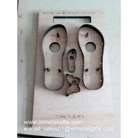 Sandals steel cutting dies maker, beach sandals steel rule die plywood base