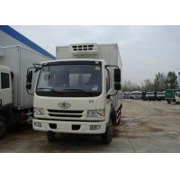 China Sinotruk FAW 4X2 Small Refrigerated Truck , 5T Fiberglass Commercial Refrigerated Trucks on sale
