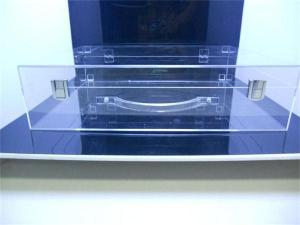 China China manufacturer clear Acrylic box with shake hands on sale