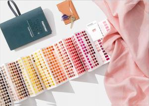 China Cotton Version Pantone Color Guide , Pantone Color Chart Easy Carrying on sale