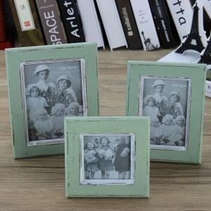 China Green color family  picture photo frame on sale