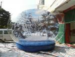 クリスマス ポリ塩化ビニールの防水シート ポリ塩化ビニールの巨大で膨脹可能な雪の地球の冬の驚異の雪の球