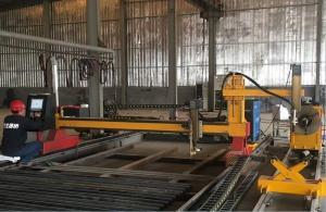 China Gantry Type CNC Plate Pipe Cutting Machine / Sheet Metal Plasma CutterAutomatic on sale