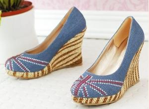 China Wedge-Soled Slipsole Shoes on sale