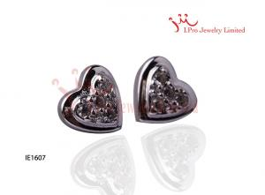 China Small Fashion Kids Heart Shaped 925 Sterling Silver CZ Stud Earrings on sale