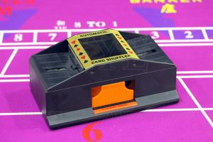 China Plastic 2 Deck Automatic Card Shuffler With One Camera For Baccarat Cheating on sale