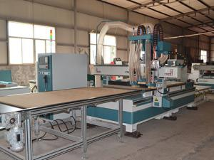 China Durable Wooden Furniture Making Machinery , Desktop CNC Router Machine on sale