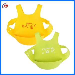 China wholesale easy clean silicone  baby  bibs  with  FDA  High Grade on sale