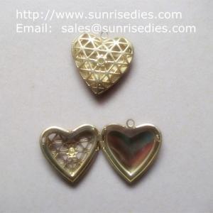 China Mesh brass heart shaped photo locket for diy jewelry, copper heart locket on sale