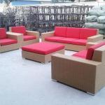 屋外の柳細工の家具/12cmのクッションとのオフィスの使用のために適した大きい藤のソファー