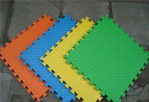 China Los niños juegan rompecabezas magnético de la espuma de EVA/la estera colorida del juego de la espuma del rompecabezas de la esponja de EVA on sale