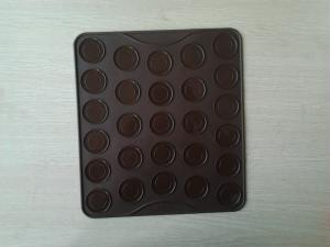 China Chocolate Non Stick Silicone Baking Mat , FDA Heat Resistant 25 Holes Macarons Mat on sale