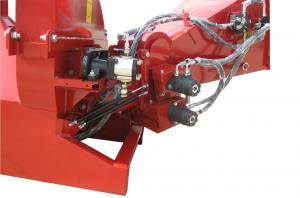 China High Speed Hydraulic Wood Chipper With 4 Cutting Knives And 1 Bad Blade on sale