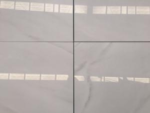 China Popular Perfect price of the Royal Imperial White Polished Marble slabs or tiles on sale