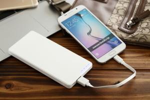 China Ultra thin Li-Polymer Power Banks / External Battery Pack for iPhone / Samsung Cellphone on sale