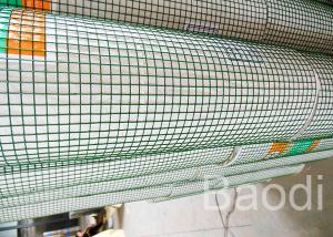 China Green Vinyl Coated Welded Wire Mesh Roll Outdoor 16 Gauge For Poultry Fencing on sale