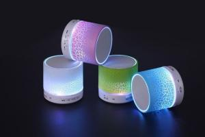 China 2018 trending products Mini Bluetooth portable gadgets ibastek Speaker with LED Light on sale