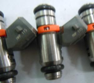 RENAULT CLIO Mk2 1.4 Petrol Fuel Injector 2000 on Nozzle Valve Bosch 8200128959