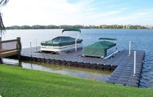 Quality HDPE pontoon for boat docks for sale