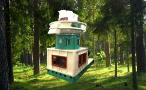 China Biomass Pellet Plant Mobile Wood Pellet Machine / Sawdust Pellet Making Machine on sale
