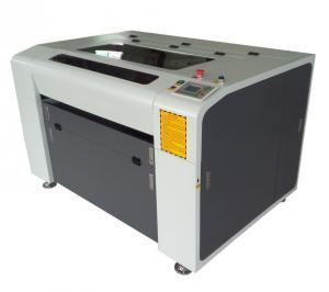 China a gravura do laser do desktop da fonte da fábrica e a máquina de corte fixam o preço de DRK-6090 com sistema de Ruida do controle do wifi on sale