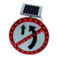 China IP65 Waterproof Aluminum LED Solar Powered Traffic Signs 1000m View Distance on sale