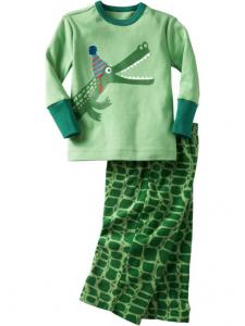 China Unisex Green 100% Organic Cotton 2 Piece footed Kids Pjamas Set For Autumn on sale