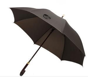 China Haute qualité 26 pouces d'automobile de couleur solide d'hommes frais ouverts de Brown de parapluie droit de golf avec protégeant du vent on sale