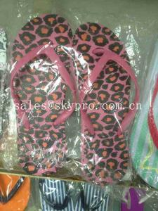 China Leopard Printing EVA Foam Slippers Women Non - Toxic Individual Design Plus Size Flip Flops on sale