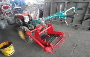 China Self - Loading Two Rows Small Agricultural Equipment 1.65M Operating Width on sale