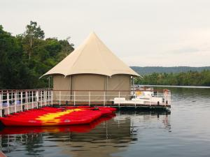 China Steel Frame Luxury Hotel Tents With PVDF Architecture Cover Structure Luxury Resort Tent Hotels on sale