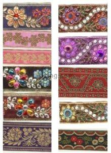 China Embroidery Sequin /bead letter patches /Embroidery letter with lovely hello kitty on sale