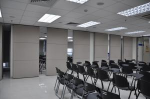 China Modern Temporary Office Partition Walls With Aluminum Track 6m Height on sale