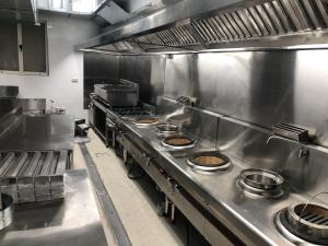 China 2500 x 1200 x 580mm Stainless Steel Catering Equipment Exhaust Hood Against Wall Type on sale