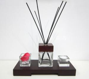 China diffuseur en verre carré décoratif d'huile de Reed de parfum de la pièce 80ml dans le plateau en bois TS-RD01 on sale