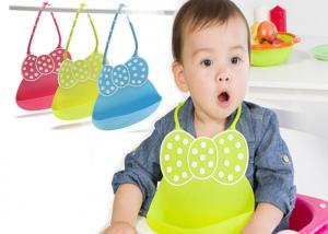 China Durable Silicone Kitchen Tools Waterproof Food Catcher Pocket Baby Bibs Silicon on sale