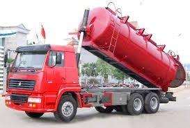 China Red Diesel Sewage Suction Truck 6 Cubic Meters with 5m Suction Depth , EURO II on sale