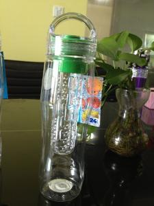 China Reusable 25 oz Flavor Infusion Beverage Cup infuser water bottle on sale