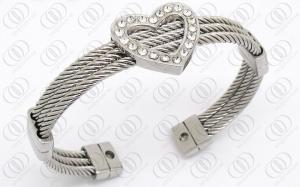 China Bracelete magnético de aço inoxidável do cabo com a CZ clara dada forma coração on sale