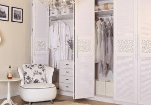 China Bedroom armoire wardrobe closet Luxury Bedroom Furniture Set on sale
