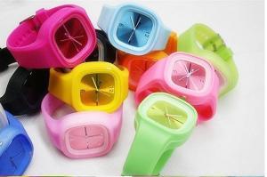 China New Fashion SIlicone Quartz Watch (JS-3058) on sale